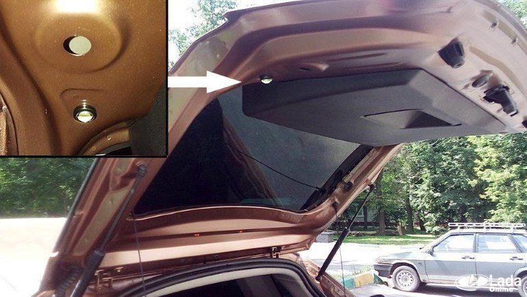 Установка дополнительной подсветки багажника на Lada XRAY