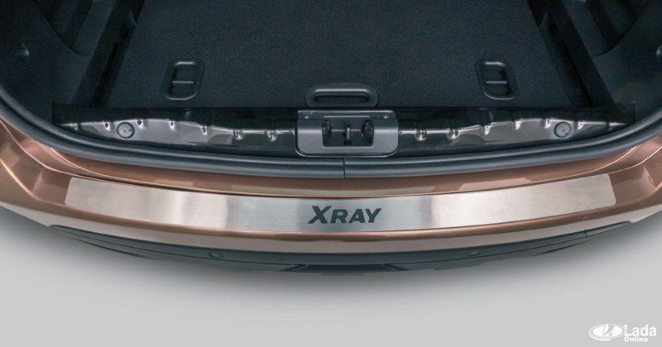 Установка накладок багажника (на бампер и порог) Lada XRAY
