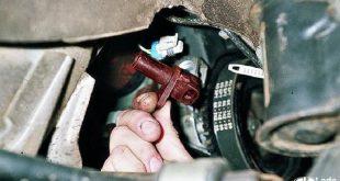 Замена и проверка датчика положения коленчатого вала на LADA XRAY