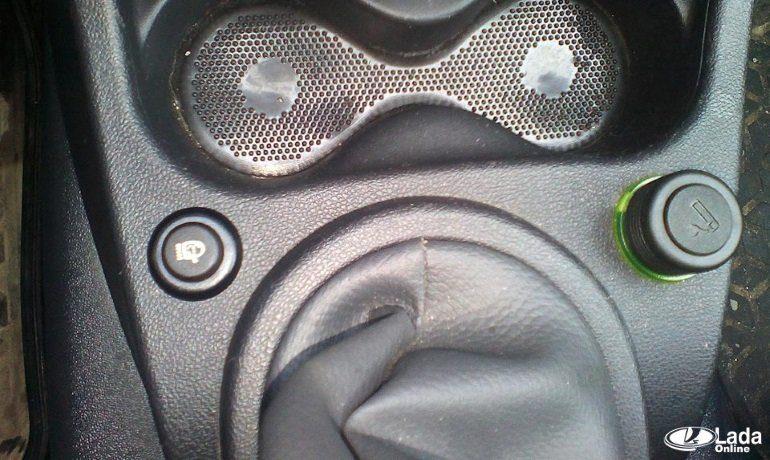 Установка бюджетного омывателя фар на автомобиль LADA