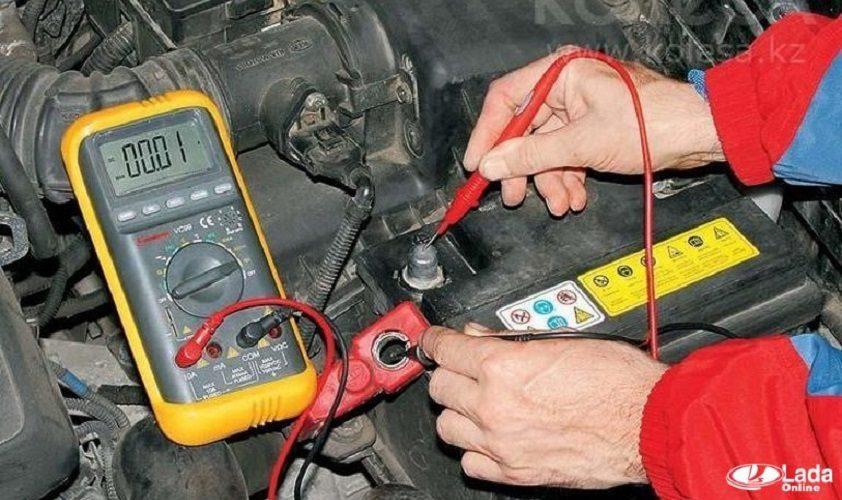 Если разряжается аккумулятор или проверяем ток утечки
