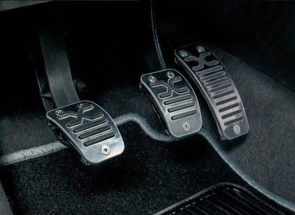 Стальные накладки на педали для Lada Vesta и XRAY