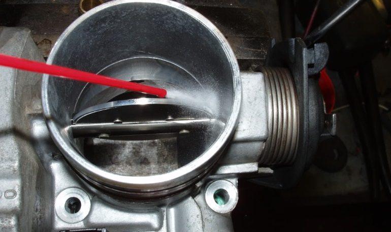 Чистка дроссельного узла на автомобилях LADA