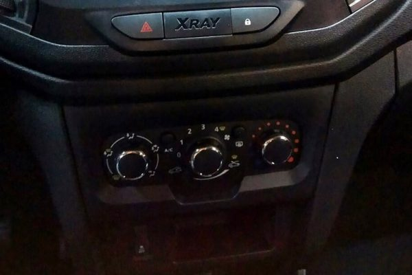 Lada-XRAY-Classic-2