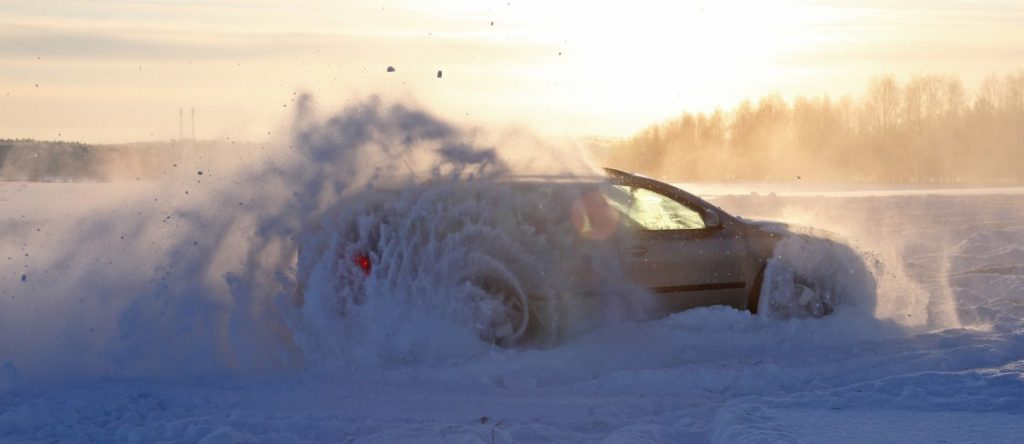 Как не буксовать при езде по снегу, грязи и песке