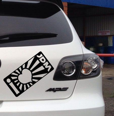 Чтоозначают наклейки накузовах истеклах автомобилей?