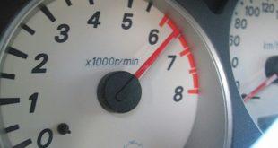 Нужно ли «крутить» мотор до отсечки?
