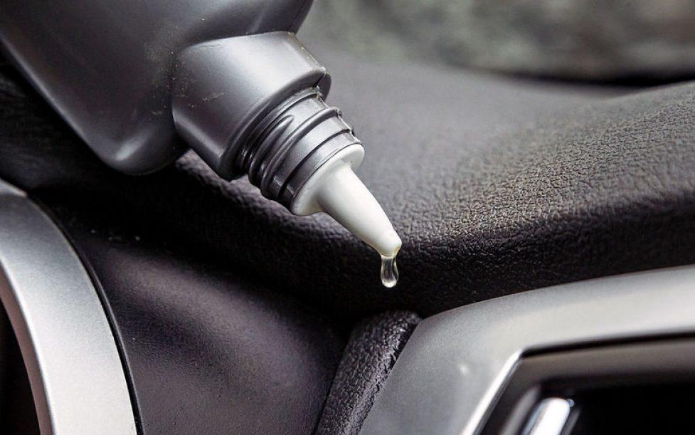 Как устранить скрипы в салоне автомобиля?