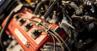 Почему начал троить двигатель: причины