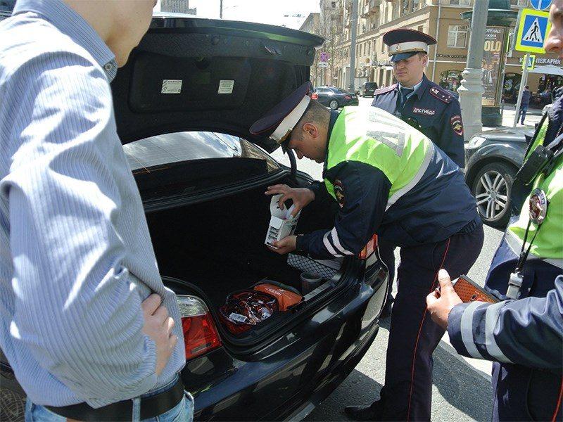 Полицейским разрешат вскрывать автомобили